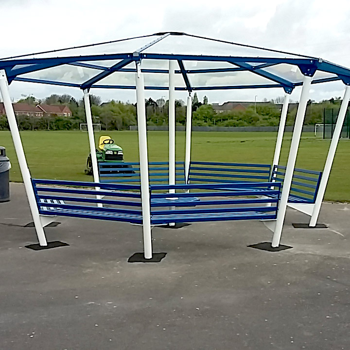 8 Sided Shelter with 6 Seats