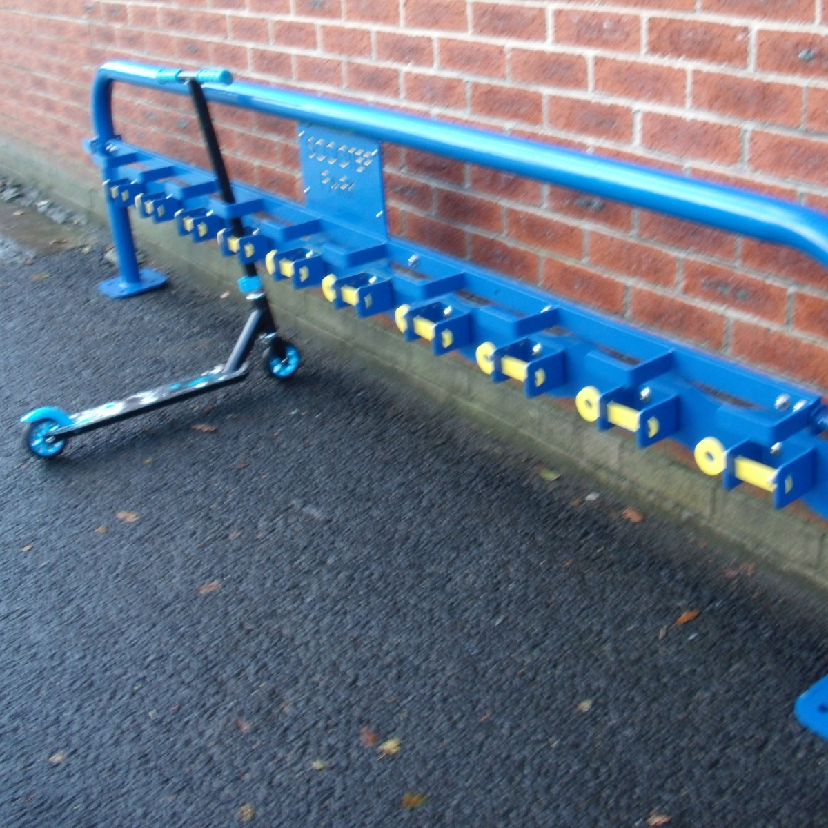 Single Sided Scooter Rack With Locking Bar