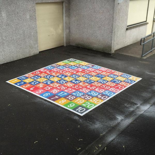 1-100 Grid Solid Colour