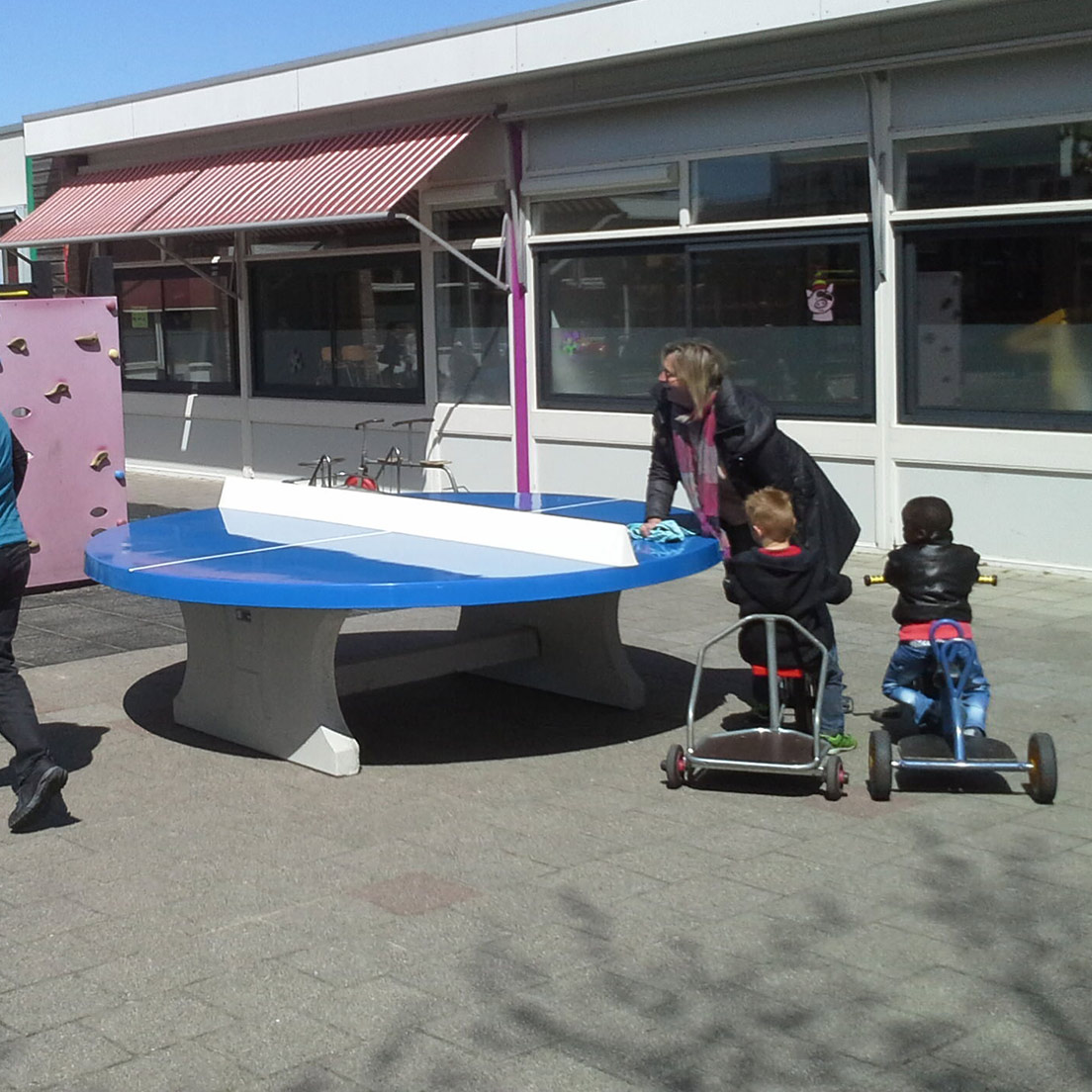 Round Concrete Ping-Pong Table
